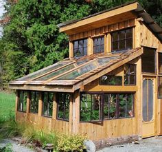 My dream greenhouse. Would love to find old windows! Carlseng Designs: Small Greenhouses