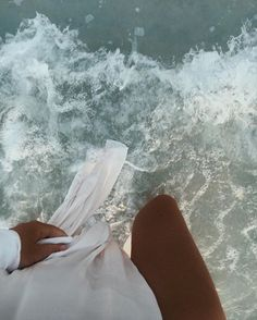 How to Take Good Beach Photos Summer Vibes, Summer Feeling, Beach Aesthetic, Summer Aesthetic, Ft Tumblr, Beach Babe, Beach Photos, Aesthetic Pictures, Summer Of Love