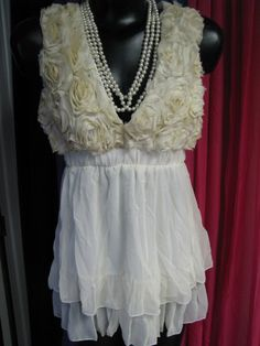 8233739d6bdd78 Vintage Rose Rosette Bodice Dressy Sleeveless  Top-vintage,style,rosettes,babydoll,