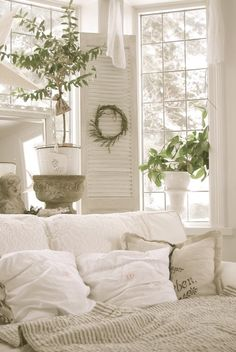 All white Bedroom <3 #plantaccents