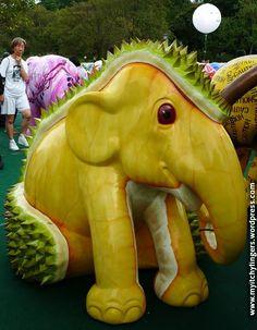 Baby Elephant Walk – Elephant Parade Singapore2011