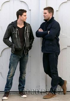 robbie amell and stephen amell