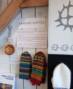 sami knitted mittens - Google Search from the exhibition in Norway