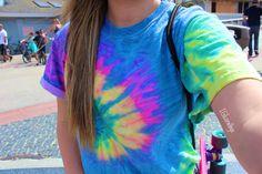 ♡neonxmermaid:  My shirt is super vibrant  • quality IG| coralbye • please don't delete my caption
