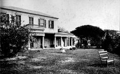 Built 1829 by Thomas Mitchell, Surveyor-General of NSW. Demolished 1922 for a residential subdivision. It was in the area of present day Surrey and Caldwell Streets. Architecture Images, Historical Architecture, Australian Homes, Slums, Interior Design Tips, Historic Homes, Surrey, Historical Photos, Old Photos