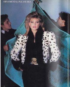 US Vogue December 1980 Dressing with Dazzle Photo Chris Von Wangenheim Models Kelly Emberg, John Stockwell, Eric Milon & Unknowns Fur Fashion, Fashion Books, Fashion Models, Kelly Emberg, 80s And 90s Fashion, Vogue, 80s Dress, Power Dressing, Richard Avedon