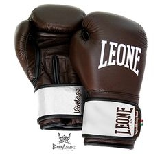 "Gants de boxe Leone 1947 ""Vintage"" cuir marron http://www.barbariansfightwear.com/fr/gants-de-boxe-/76-gants-de-boxe-leone-1947-vintage-cuir-marron-8052439260199.html"