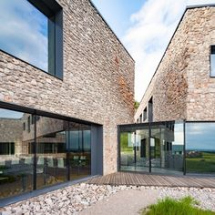 Image 4 of 32 from gallery of European Centre For Geological Education / WXCA. Photograph by Daniel Ciesielski Brick Architecture, Contemporary Architecture, Building Design, Building A House, Renovation Facade, Glass Structure, Desert Homes, Modern Farmhouse Exterior, Mediterranean Homes