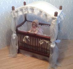 1:12+dollhouse+cradle♡♡ By PilarCalleMiniatures