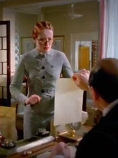 Hercule Poirot fashion   Miss Lomen her hairstyle is 30's as well