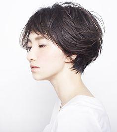 軽やかな風をはらんだような、空気感のあるショートヘアスタイル - SHORT - HAIRCATALOG.JP/ヘアカタログ.JP