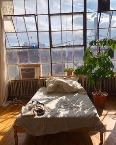 – – Room Decor – Cute Bedroom Ideas for the Best Industrial Rustic Bathroom Design Ideas For Easy & Creative DIY Home Decor Ideas on A Budg Bedroom Inspo, Bedroom Decor, Bedroom Ideas, Music Bedroom, Aesthetic Room Decor, Aesthetic Design, Dream Apartment, Hipster Apartment, Brooklyn Apartment