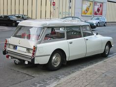 The Citroen DS name came in lots of different shapes and sizes, including this DS Break.
