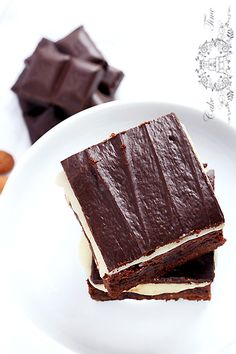 Brownies with marzipan & almonds