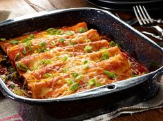 Savor the yumminess of these filling Vegetarian Black Bean Enchiladas With GOYA® Reduced Sodium Black Beans. They're a cinch to make! Enchiladas Vegetarianas, Bean And Cheese Enchiladas, Black Bean Enchiladas, Goya Recipes Puerto Rico, Vegetarian Menu, Meatless Recipes, Bean Recipes, Vegan Meals, Mexican Food Recipes