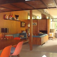The amazing home of Tim Biskup designed by Eugene Weston III. Mid Century Living Room, Mid Century House, Mid Century Style, Mid Century Design, Mid-century Interior, Interior Architecture, Interior Design, Mid Century Modern Decor, Midcentury Modern
