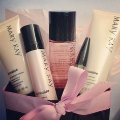 Make this Mother's Day great by creating your own gift bag of your mom's favorite Mary Kay products!