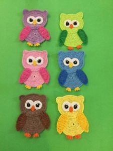 Get a free crochet owl pattern at Kerri's Crochet. Get this free crochet pattern of a crochet owl. This and many other crochet animals are available on my website, Kerri's Crochet. Crochet Owls, Crochet Animals, Crochet Crafts, Crochet Flowers, Crochet Projects, Knit Crochet, Crochet Applique Patterns Free, Crochet Motifs, Free Pattern