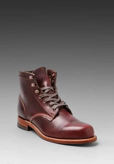 Love the Wolverine 1000Mile Boot on Wantering | The Mens Bootery | mens brown leather boots | menswear | mens shoes | mens style | mens fashion | wantering http://www.wantering.com/mens-clothing-item/1000mile-boot/2jQx6NE/