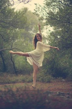 So pretty! Definitely doing this for Lyndsay's senior pics. Or anyone who can dance when I do their shoot!