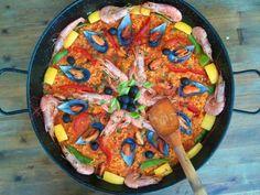 Our homemade paella! Andalucia, Malaga, Paella, Homemade, Ethnic Recipes, Food, Home Made, Essen, Meals