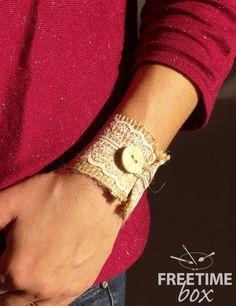 Tuto DIY : un bracelet vintage toile de jute / dentelle