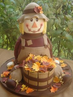 Scarecrow cake! So cute for the fall season