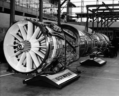 The engine selected to power the Concorde was the Olympus 593 turbojet, developed by Bristol Siddeley and Snecma. Concorde, Twa Flight Center, Supersonic Speed, Delta Wing, Plane Photos, Commercial Plane, New Jet, Aircraft Engine, Jet Engine