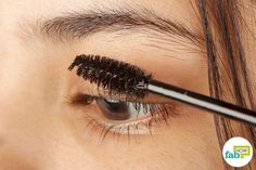 Long and luscious eyelashes are one of the most important features of a beautiful face. They accentuate the eyes and can draw a double-take for a second look at your. Long Thick Eyelashes, Thicker Eyelashes, Longer Eyelashes, How To Get Thick, Natural Remedies, Bobby Pins, Hair Accessories, Make Up, Skin Care
