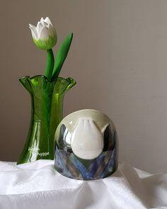 62 отметок «Нравится», 0 комментариев — Olga (@helga_hygge) в Instagram: «The weather is so warm that it seems March and you have to wait for tulips..😄 💚🌷💚🌷💚🌷💚 Helja Liukko-…» Hygge, Finland, Tulips, March, Weather, Vase, Instagram, Home Decor, Decoration Home