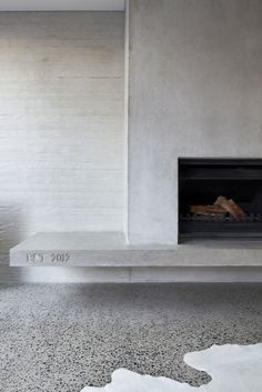 Homely, contemporary, nil maintenance: The Modern Family Dream home Concrete fireplace Fireplace Hearth, Fireplace Surrounds, Fireplace Ideas, Concrete Fireplace, Tiled Fireplace Wall, Floating Fireplace, Fireplace Drawing, Craftsman Fireplace, Concrete Facade
