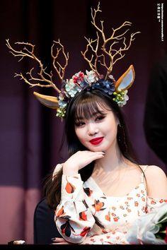 190331 Fansign At InternationalYouth Center Kpop Girl Groups, Korean Girl Groups, Kpop Girls, Btob, Homo, Soo Jin, Fandoms, Camille, Cube Entertainment