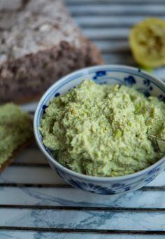 Pesto Hummus, Pesto Dip, Pesto Dressing, Low Carb Recipes, Healthy Recipes, Healthy Food, Good Food, Yummy Food