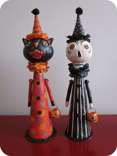 I love vintage Halloween and these paper clay dolls are fantastic!