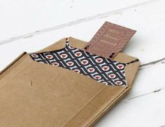 Eco Cardboard Wrapping - Bellroy Product Packaging Uses Earthy Brown Paper Pouches (GALLERY)