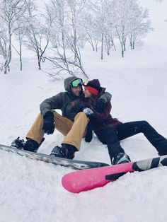 Snowboarding in Niseko, Japan – Helen Owen Snowboarding Style, Ski And Snowboard, Relationship Goals Pictures, Cute Relationships, Best Snowboards, Burton Snowboards, Niseko Japan, Snowboarding Photography, Cute Couple Pictures