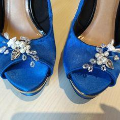 Accesorio para zapatos de novia. Wedding Shoes accesorie Bugle Beads, Bride Shoes, Sequins, Gems, Hand Embroidery, Boyfriends, Accessories, Glitter