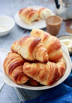 Megjelent a Kifőztük 2017 júliusi száma! Bread Dough Recipe, Salty Snacks, Hungarian Recipes, Ciabatta, Croissants, Sweet And Salty, Bread Baking, Food And Drink, Breakfast