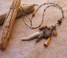 Earthy Talisman Necklace with Antler Cave Bear von deserttalismans