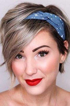 24 Gorgeous Looking Variants On How To Style A Pixie Cut is part of Short hair accessories - How to style a pixie cut We have some gorgeous ideas, different tips, and suggestions for you that will make your pixie haircut look even more creative Pixie Hairstyles, Headband Hairstyles, Scarf Hairstyles Short, Layered Hairstyles, Easy Hairstyle, Hairstyle Ideas, Short Asymmetrical Hairstyles, Asymmetrical Bob Short, Edgy Short Haircuts