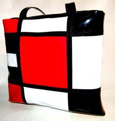Cartera estilo Mondrian. Charol negro, rojo y blanco