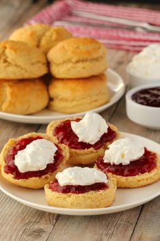 Light and crumbly vegan scones served with strawberry jam and freshly whipped coconut cream. Absolutely delicious along with your afternoon tea, as dessert or even breakfast. Vegan Dessert Recipes, Vegan Sweets, Vegan Snacks, Vegan Food, Yummy Recipes, Bread Recipes, Baking Recipes, Vegetarian Recipes, Recipies