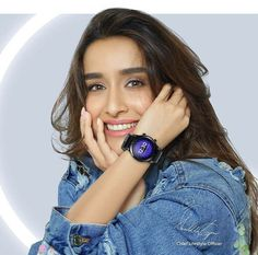 Bollywood Outfits, Bollywood Girls, Bollywood Fashion, Beautiful Girl In India, Most Beautiful Indian Actress, Cute Girl Pic, Cute Girl Poses, Indian Celebrities, Bollywood Celebrities