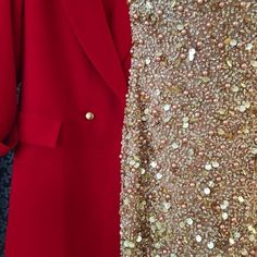 Atelier BOBAR DEC 28, 2017 #festive #season #sparkle #fashiondetails doua rochii diferite (dar la fel de #glam) facute de noi pentru petreceri de #newyearseve <3 #glamour #sparkle #fashion #chic #embroidery #golden #reddress #customtailored #atelierbobar #festivefashion #redandgold (at Atelier Bobar & Josephine)