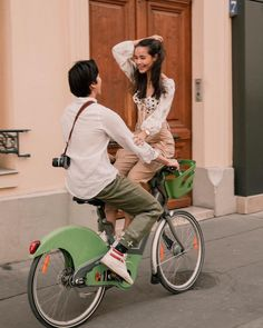 Oh Oh Oh, We were the happiest in a place and we can see on today photo – municipal-journal Wedding Couples, Cute Couples, Mini Closet, Couple Photoshoot Poses, Thai Model, Happy Fun, Celebrity Couples, Street Style, Role Models