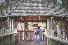 Engagement pictures at the Treehouse in Alnwick Gardens - AnnaJoy Photography