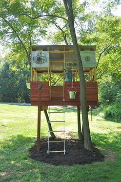 Want to Make a Treehouse? • Awesome DIY Treehouse Projects and Tutorials! Including this very cool diy treehouse from 'kid baltimore'.