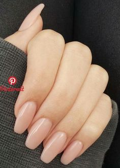 neutral nails with sparkle . neutral nails with accent . neutral nails for pale skin . Neutral Nails, Nude Nails, Oxblood Nails, Coffen Nails, Beige Nails, Glitter Nails, Blush Nails, Manicure Rose, Squoval Acrylic Nails