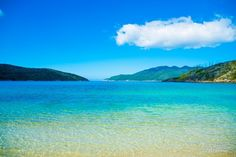 Bom dia pra quem já está com a cabeça no fim de semana! A foto é do paraíso ali no norte do Rio Poste sua foto com a hashtag #ViagemLivre que a gente reposta aqui no insta do Catraca