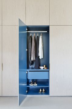 2018 Dulux Colour Awards Finalists Announced (The Design Files) Australian Interior Design, Interior Design Awards, Contemporary Interior, Home Interior Design, Interior Architecture, Garderobe Design, Armoire Dressing, Wardrobe Closet, Closet Doors